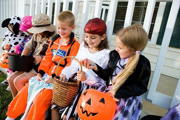 Our Charleston injury attorneys offer helpful tips for a safe and happy Halloween.